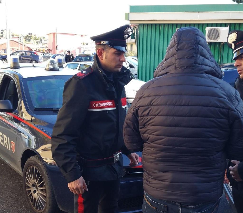 MESSINA: I Carabinieri del Nucleo Radiomobile del Comando Provinciale di Messina acciuffano topo d'auto