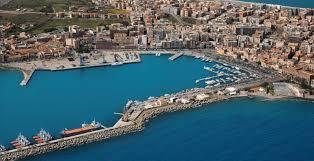 Cattivi odori nella zona del porto di Milazzo. Forse idrocarburi nelle fogne