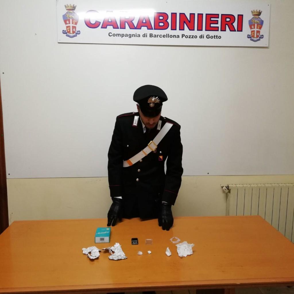 Compagnia di Barcellona P.G. I Carabinieri della Stazione di Barcellona hanno arrestato in flagranza un barcellonese per detenzione ai fini di spaccio di sostanze stupefacenti