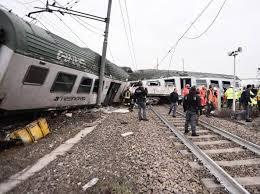 Treno deraglia a Milano, due morti e dieci feriti gravi