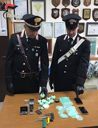MOLA DI BARI (BA). Scovato dai Carabinieri un 64enne insospettabile con mezzo chilo di cocaina purissima, pronta per lo smercio