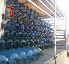Messina. Trasporta bombole GPL senza i requisiti di sicurezza. La Polizia di Stato sequestra camioncino. In carcere rapinatore