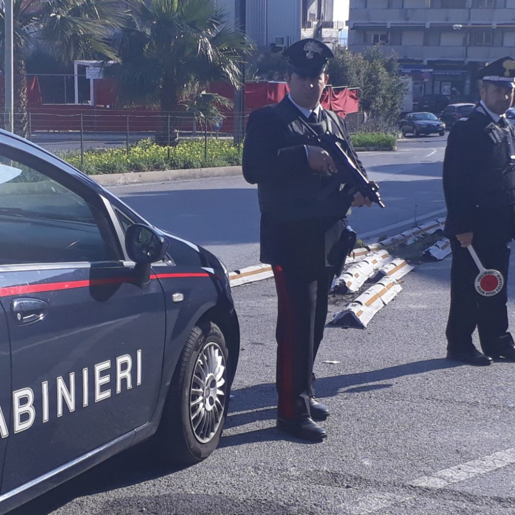 Messina (ME): Maxi servizio di controllo del territorio dei Carabinieri nel quartiere Giostra: una persona arrestata e 5 segnalate alla Prefettura per droga