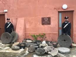 Filicudi (ME): i Carabinieri recuperano numerosi manufatti lapidei antichi ritenuti beni culturali e denunciano sei persone