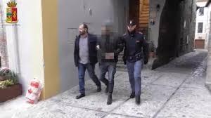 PERUGIA. LA POLIZIA SMANTELLA UN SODALIZIO CRIMINALE CHE FAVORIVA L'INGRESSO ILLEGALE DI CITTADINI ALBANESI NEGLI STATI UNITI. ARRESTATI UN CITTADINO ALBANESE E DUE ITALIANI