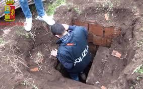 Reggio Calabria: Bunker della `ndrangheta scoperto a Rosarno (RC) dalla Polizia di Stato