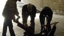 La Polizia di Stato di Forlì – Cesena ha denunciato i componenti di una baby gang ritenuti responsabili dei reati di lesioni, violenza privata ed estorsione ai danni di due minorenni