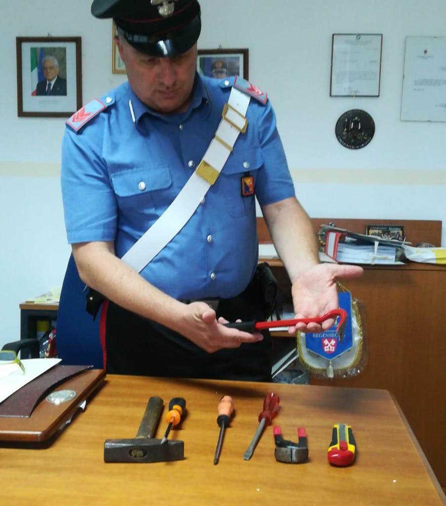 Forza D'Agro'. Rubavano le offerte nella Chiesa della SS Annunziata: due arresti dei Carabinieri