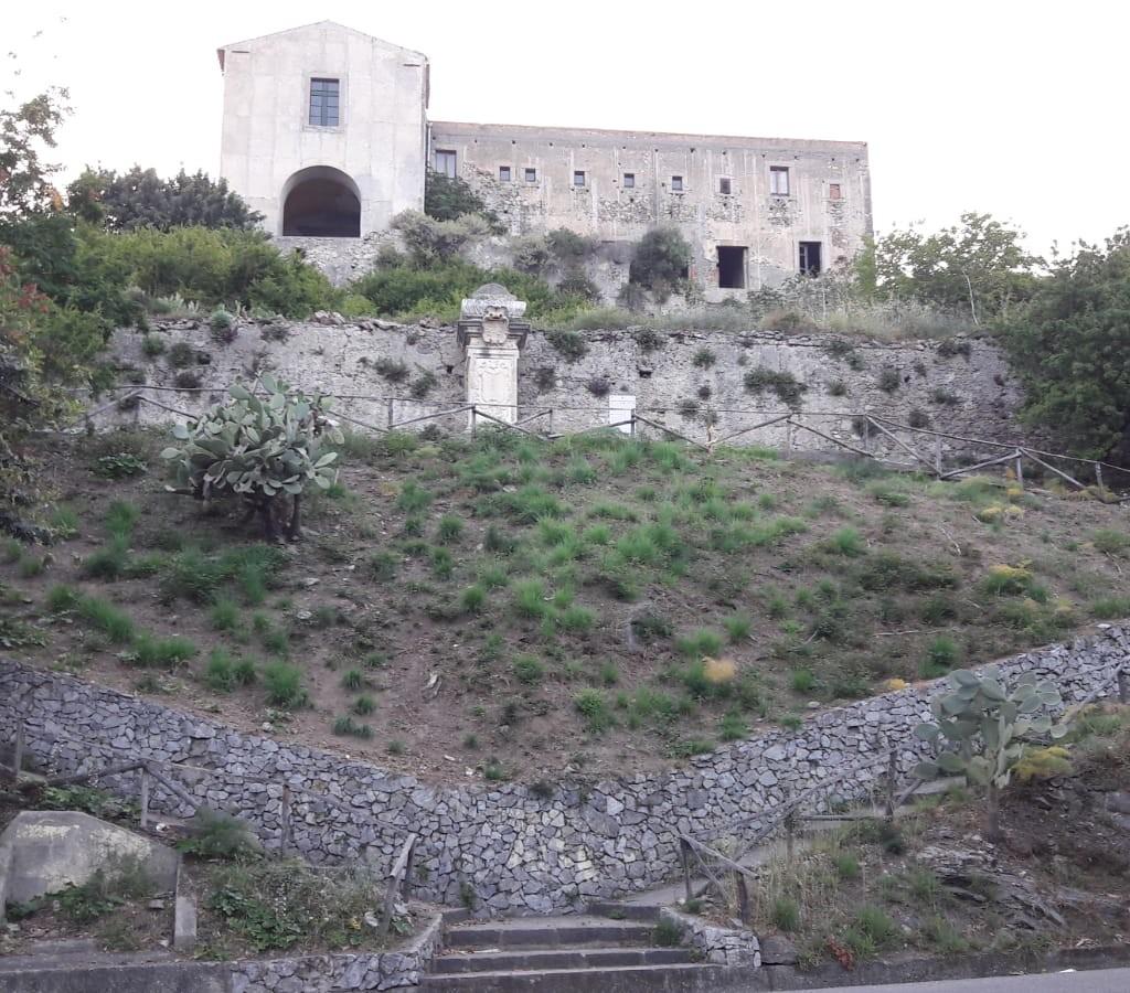 Intervento di pulizia e valorizzazione del monumento in ricordo di Zumjungen