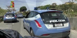 La Polizia di Stato di Catanzaro ha arrestato 12 soggetti ritenuti responsabili di associazione a delinquere per furto e ricettazione, ed hanno provveduto al sequestro preventivo di un´impresa