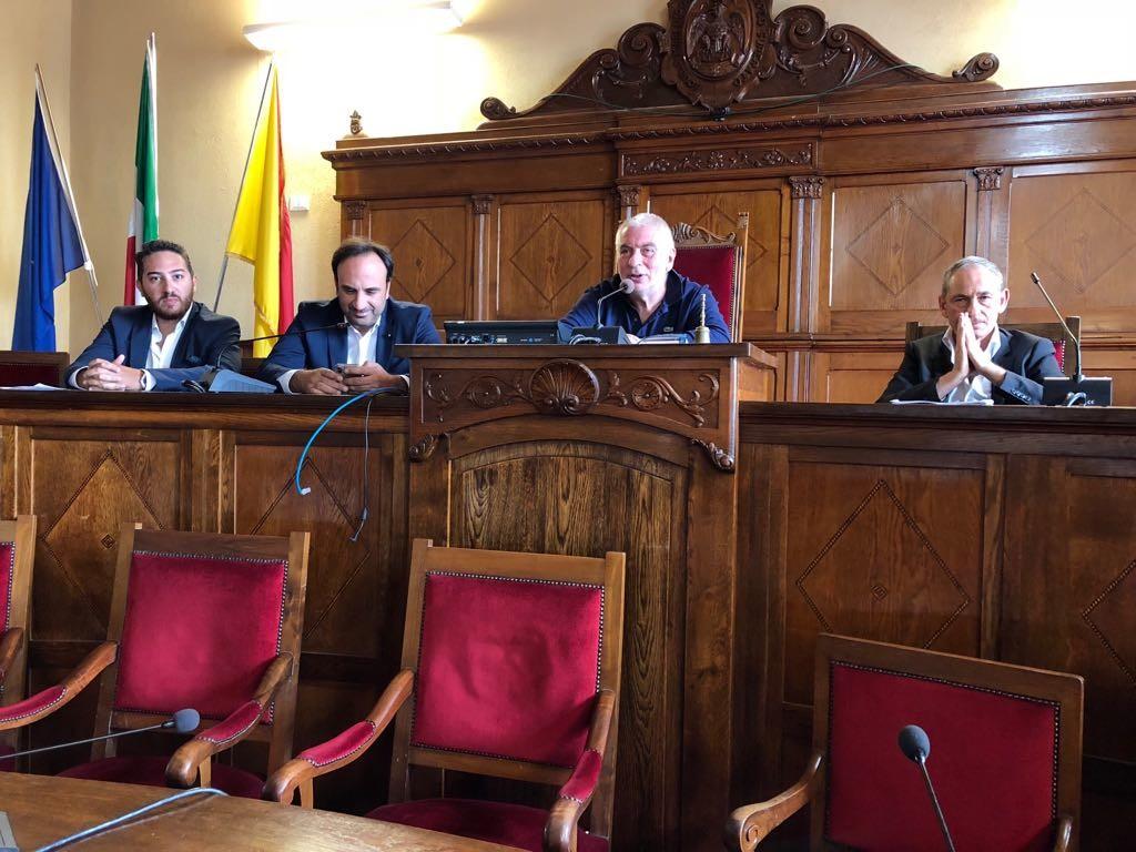 Riorganizzazione rete ospedaliera, incontro con i deputati Galluzzo e Calderone