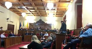 Modifica articoli Statuto comunale di Milazzo, il sindaco ritira gli emendamenti