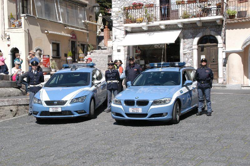 La Polizia di Strato arresta a Taormina due soggetti per furto con strappo