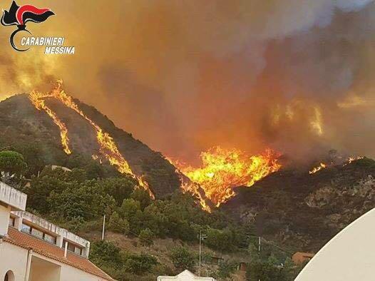 Agli arresti domiciliari l'autore dell'incendio divampato a Messina il 9 luglio dello scorso anno che ha distrutto piu' di 500 ettari di vegetazione