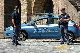 Operazione Quartieri Sicuri. Proseguono i controlli a tappeto della Polizia di Stato. Ad intervenire i poliziotti delle Volanti