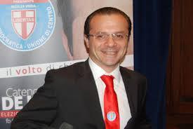 Messina, Cateno De Luca firma atto d'indirizzo per ricognizione servizi esternalizzati