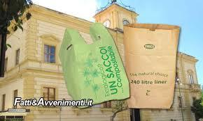 Smaltimento umido, occorre utilizzare sacchetti compostabili e non di plastica