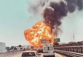 Incendio sulla A14 a Borgo Panigale, un morto e 145 feriti