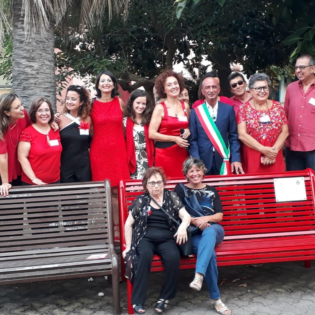 Inaugurata a Milazzo la panchina rossa contro la violenza di genere
