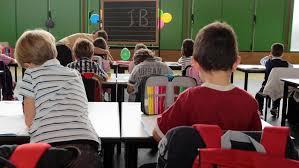 La Polizia di Stato di Alessandria ha sospeso dall´esercizio del pubblico ufficio due maestre di una scuola dell´infanzia di questo capoluogo