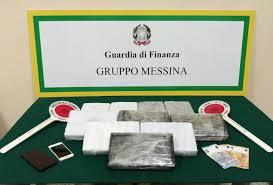 Arrestato dalla Guardia di Finanza a Messina corriere della droga e sequestrati oltre 11 chili di cocaina