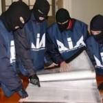 Polizia, Carabinieri e Finanza, coordinati dalla Direzione Distrettuale Antimafia di Potenza, smantellano tre sodalizi criminali operanti nel litorale jonico lucano