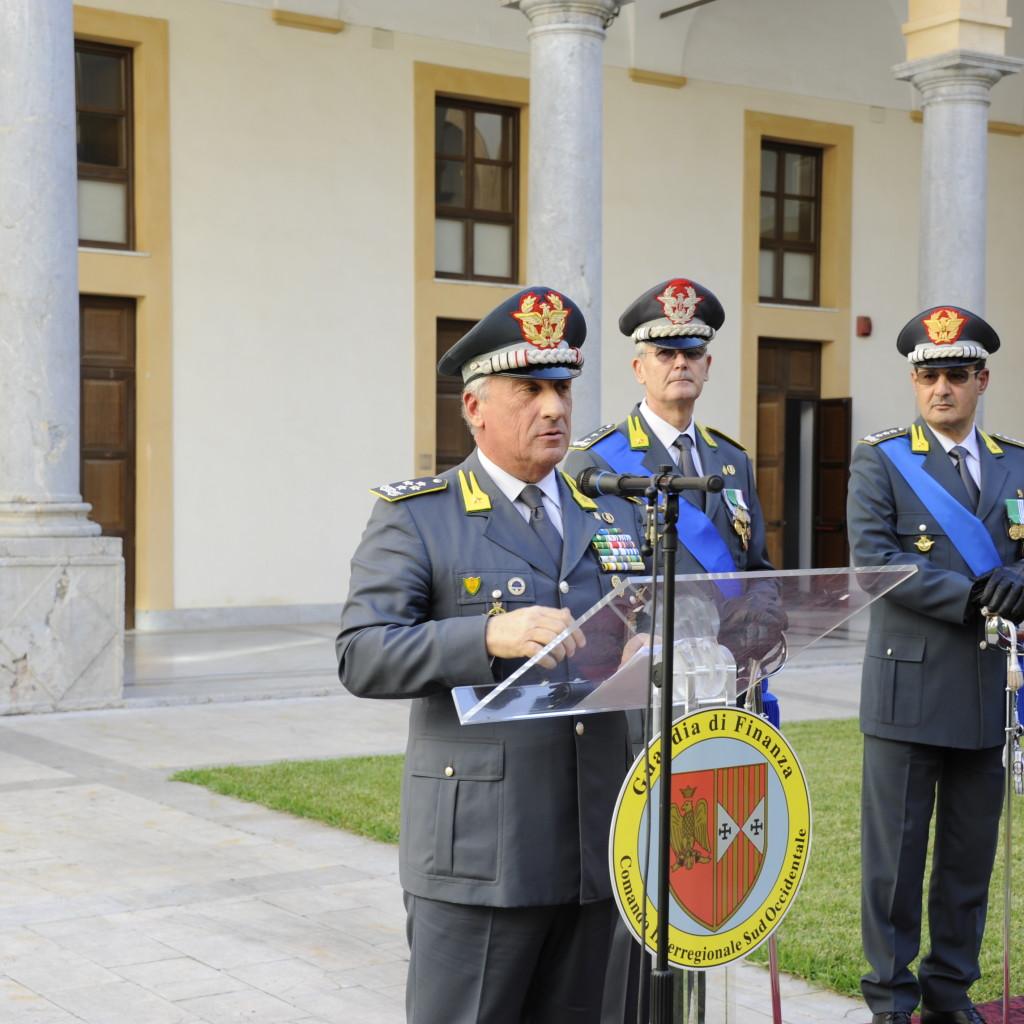 IL COMANDANTE GENERALE DELLA GUARDIA DI FINANZA, GENERALE DI CORPO D'ARMATA GIORGIO TOSCHI, A PALERMO IN OCCASIONE DEL PASSAGGIO DI CONSEGNE TRA IL GENERALE DI CORPO D'ARMATA SEBASTIANO GALDINO E IL GENERALE DI DIVISIONE CARMINE LOPEZ