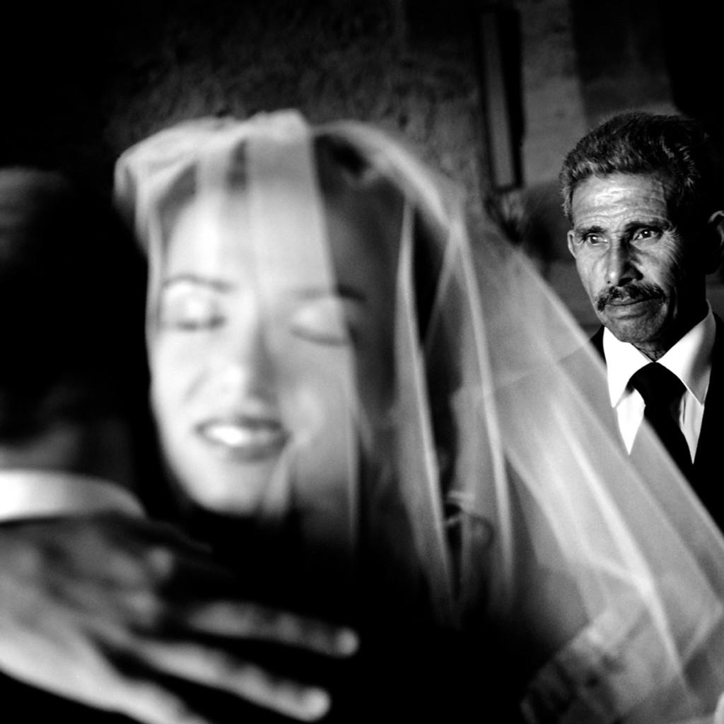 """Il Valzer di un giorno"""", due giorni dedicati al mondo della fotografia  con la presentazione del libro e l'esposizione dell'artista Franco Carlisi"""