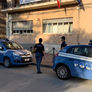 La Polizia di Stato di Milazzo sanziona e daspa tifoso esuberante: si denuda mostrando il fondoschiena sugli spalti del campo di calcio