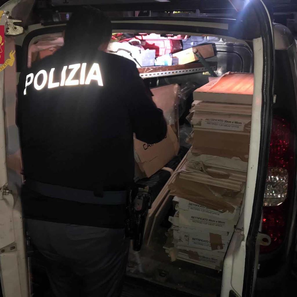 La Polizia di Stato di Messina esegue 4 arresti. Sorpresi ed arrestati ladri di materiale edile