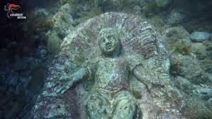 Messina: località Torre Faro, 17 dicembre 2018. Cerimonia di deposizione di una corona di alloro alla statua sommersa del Bambino Gesù
