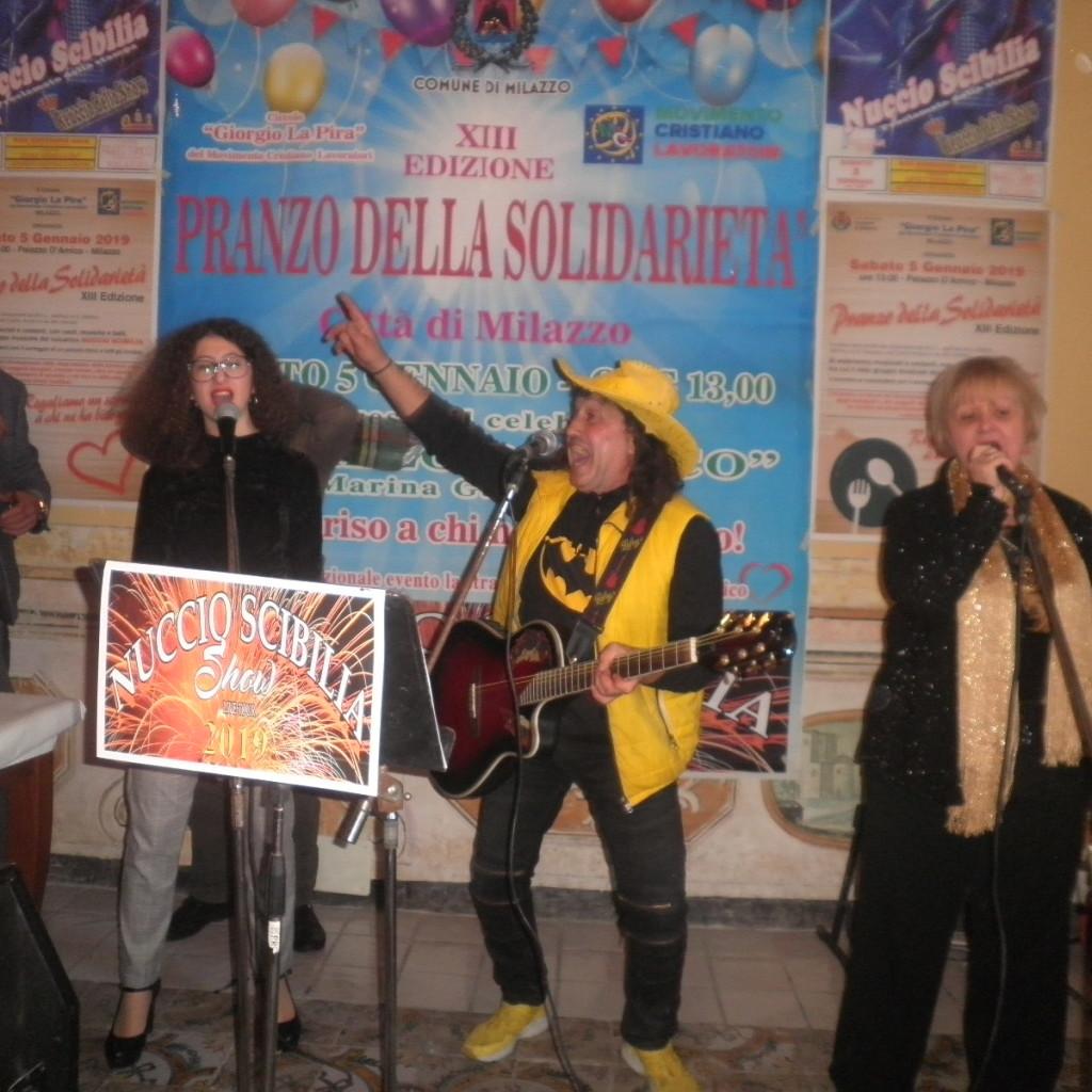 Entusiasmo alle stelle alla XIII edizione del pranzo della solidarietà. Spettacolo Multicolore del vulcanico showman siciliano Nuccio Scibilia