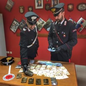 S. Domenica Vittoria (ME): i Carabinieri arrestano in flagranza di reato un uomo trovato in possesso di oltre 900 grammi di hashish.