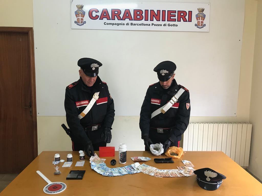Barcellona P.G.(ME): i Carabinieri arrestano madre e due figli per detenzione ai fini di spaccio di sostanze stupefacenti