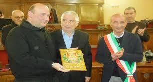 Conferita la cittadinanza onoraria di Milazzo a padre Mario Savarese