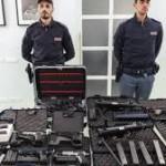 Bologna, arrestato 49enne per possesso arsenale armi