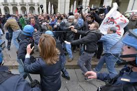Torino, arresti anarchici