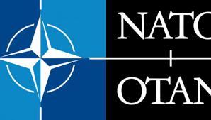 La storia della Nato di guerra in guerra