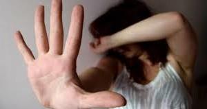 Maltrattata dalle figlie. La polizia di Stato di Messina interviene e il giudice applica la misura cautelare dell'allontanamento dalla casa familiare