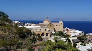 Santa Marina Salina (ME): eseguita misura cautelare del divieto di dimora in Sicilia e Calabria a carico di due soggetti