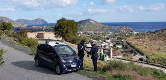 Vulcano (ME): ruba lo zainetto di uno studente in visita d'istruzione sull'Isola di Vulcano. Denunciato dai Carabinieri