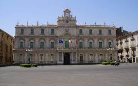 Catania, l'Università nel baratro della corruzione: misura interdittiva per alcuni docenti accusati anche di associazione a delinquere. Ma il problema riguarda varie Università italiane.