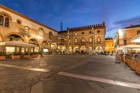 La Polizia di Stato di Ravenna ha indagato a piede libero, tre uomini ritenuti indiziati del sequestro di persona e dell'omicidio di Pier Paolo Minguzzi, avvenuto ad Alfonsine la notte tra il 20 e 21 aprile 1987