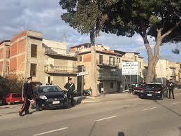 Santo Stefano di Camastra (ME): controlli straordinari dei Carabinieri. Un giovane arrestato per detenzione di stupefacenti e 4 persone denunciate per violazioni della normativa di tutela ambientale.