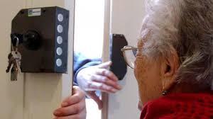 Patti. La Polizia di Stato individua i componenti di una banda dedita alle truffe ai danni di persone anziane