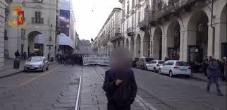Torino, la Digos esegue 14 misure cautelari nei confronti di militanti anarchici in diverse città