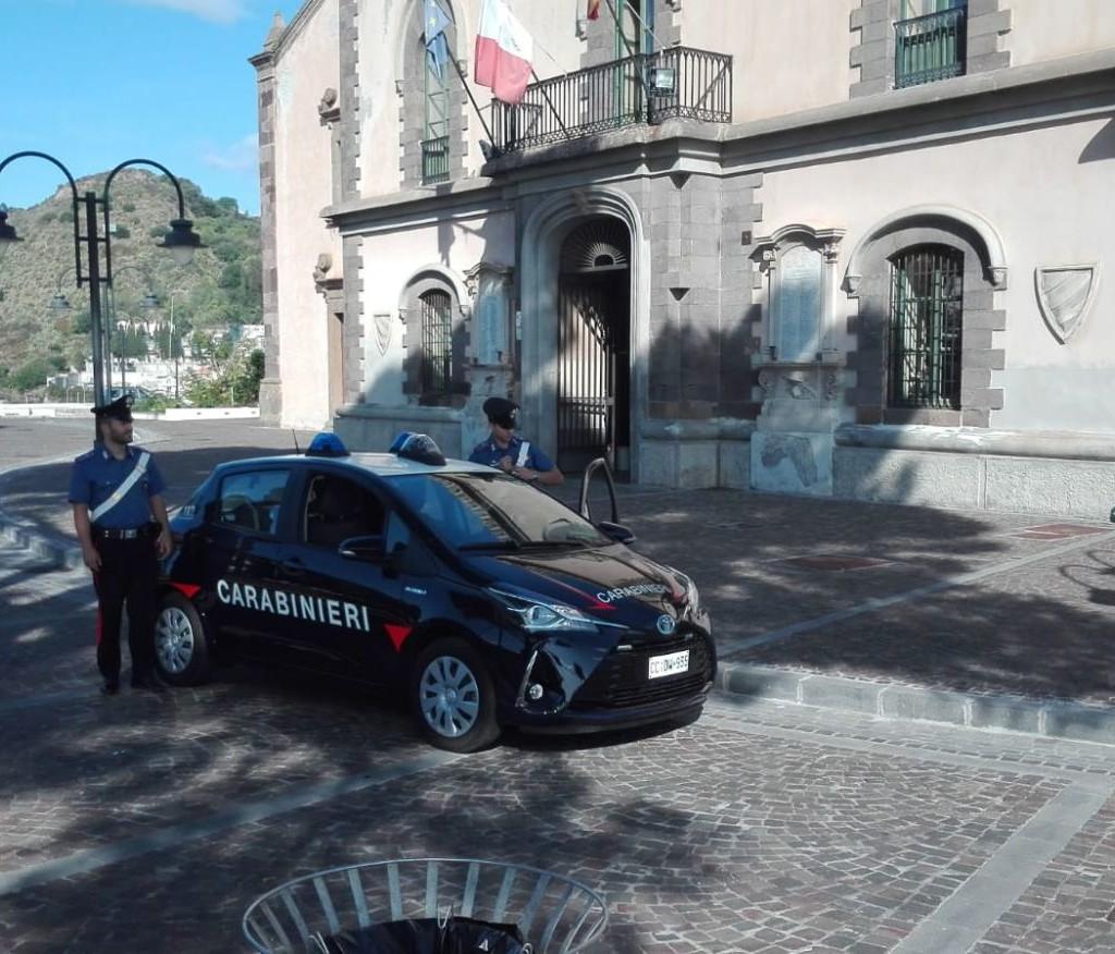 Barcellona P.G. (ME): i Carabinieri arrestano un giovane in esecuzione di una misura cautelare in carcere gravemente indiziato dei reati di estorsione, lesioni aggravate e danneggiamento commessi a Lipari