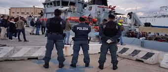 Sbarco del 24 settembre. Polizia di Stato e Guardia di Finanza identificano e sottopongono a fermo i presunti scafisti