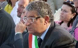 Corruzione al Comune di Taormina: si appropriavano delle somme dovute per il servizio idrico dagli utenti morosi. Arrestato avvocato e notificato divieto di dimora ad un ex dirigente pubblico