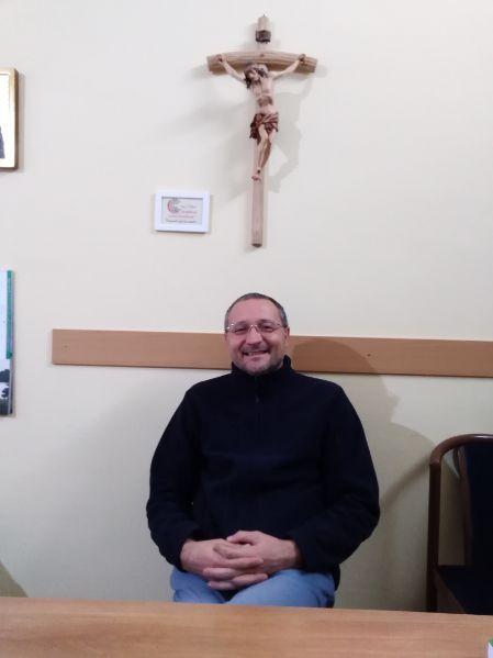 """Don Andrea: """"Se dovessi fare un'intervista a Dio? Gli chiederei perché……"""""""